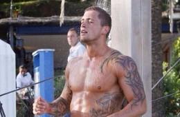 MAN CANDY: Dan Osborne's Shower Bulge