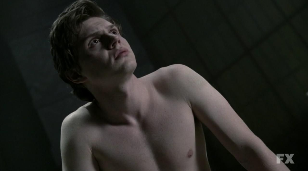 evan peters shirtless american horror story