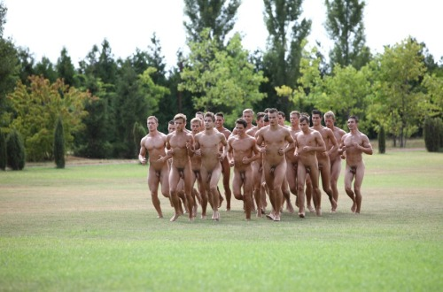 Why Tumblr Is Obsessed With Gifs Of Naked Men Running -1132
