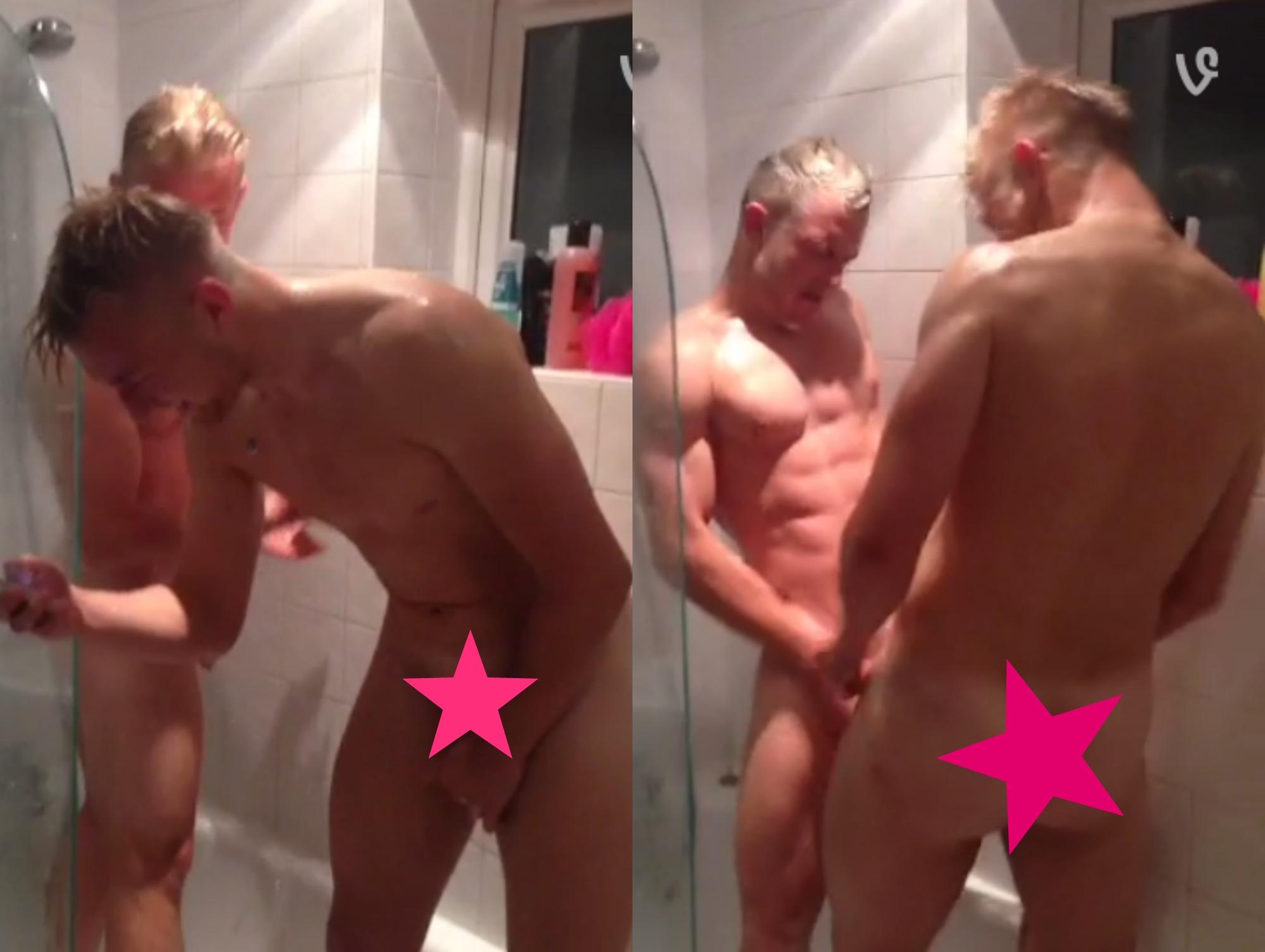 Men fighting nude